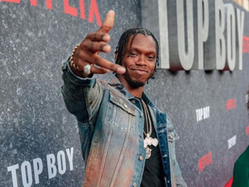 Usai Konser, Rapper Ini Ditusuk di Ruang Ganti