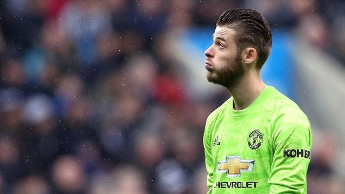 NEWCASTLE UPON TYNE, ENGLAND - OCTOBER 06: David De Gea of Manchester United reacts during the Premier League match between Newcastle United and Manchester United at St. James Park on October 06, 2019 in Newcastle upon Tyne, United Kingdom. (Photo by Jan Kruger/Getty Images)