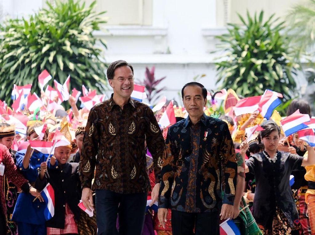 Berbatik, PM Belanda Bertemu Jokowi di Istana Bogor