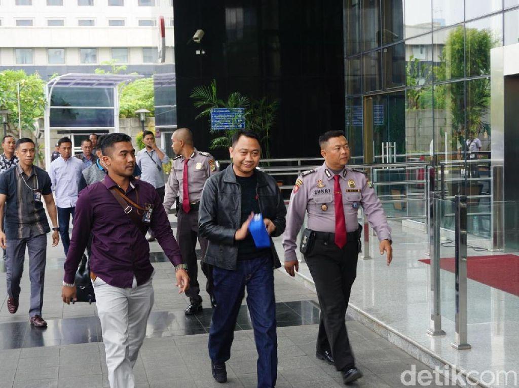 Bupati Lampung Utara yang Kena OTT Tiba di KPK