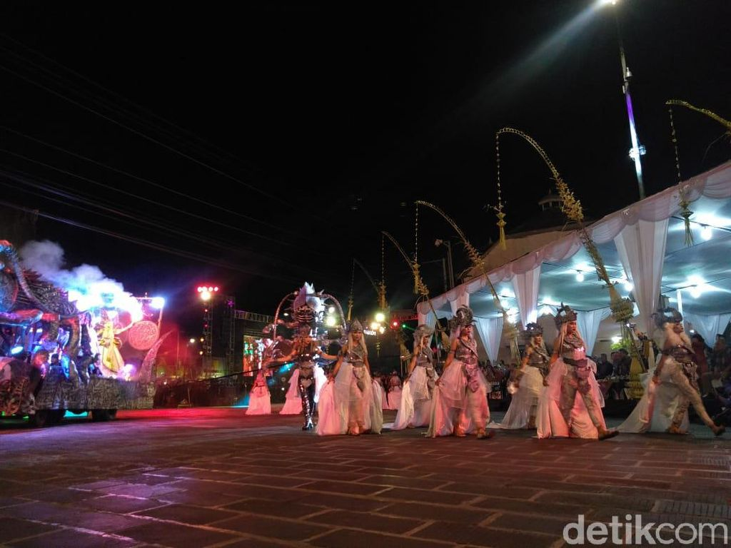 Meriahnya HUT Kota Yogyakarta di Tugu Pal Putih