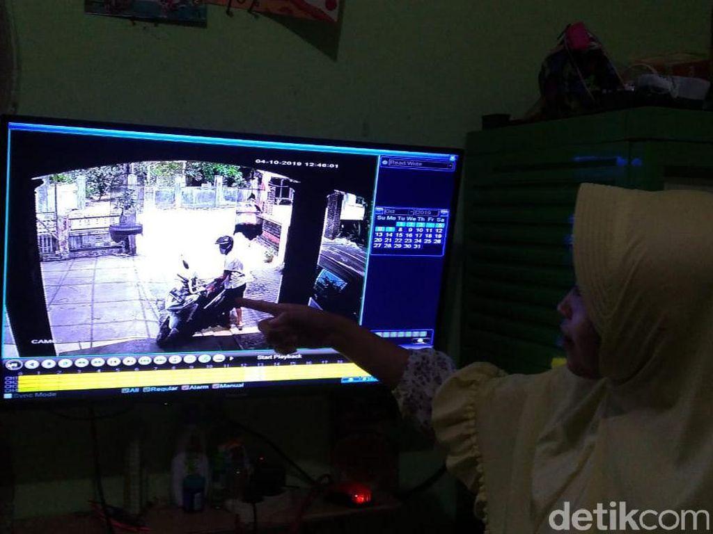 Gila, Maling Hanya Butuh 15 Detik Gasak Motor, Terlihat Lewat CCTV