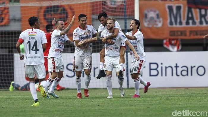 Pemain Bali United, Melvin Platje.
