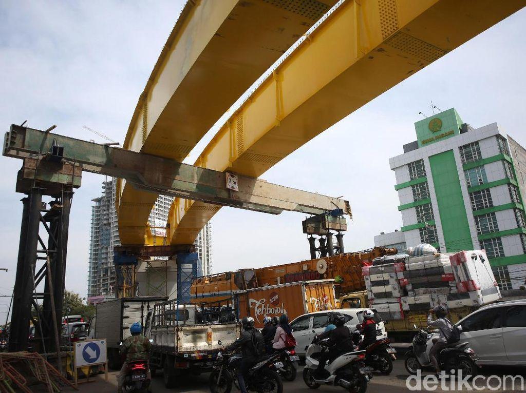 Melihat Progres Pembangunan Flyover Rawa Panjang