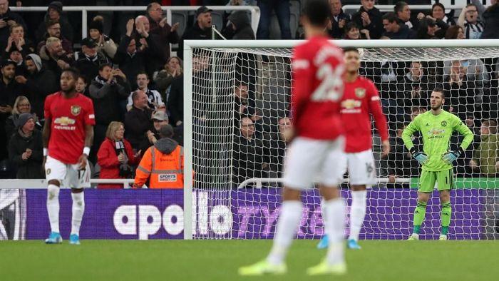 Manchester United mungkinkah terdegradasi di akhir musim nanti? (Scott Heppell / Reuters)