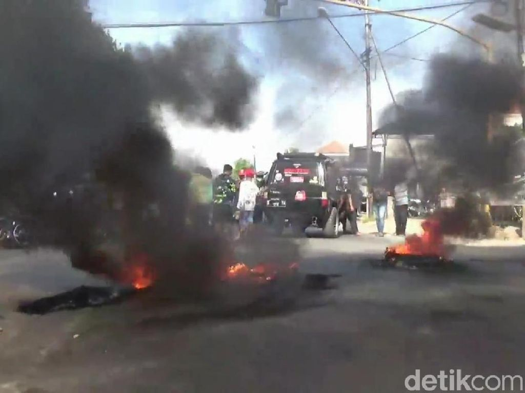 Perusahaan Sepakat Tak Buang Limbah, Blokir Jalan di Pasuruan Dibuka