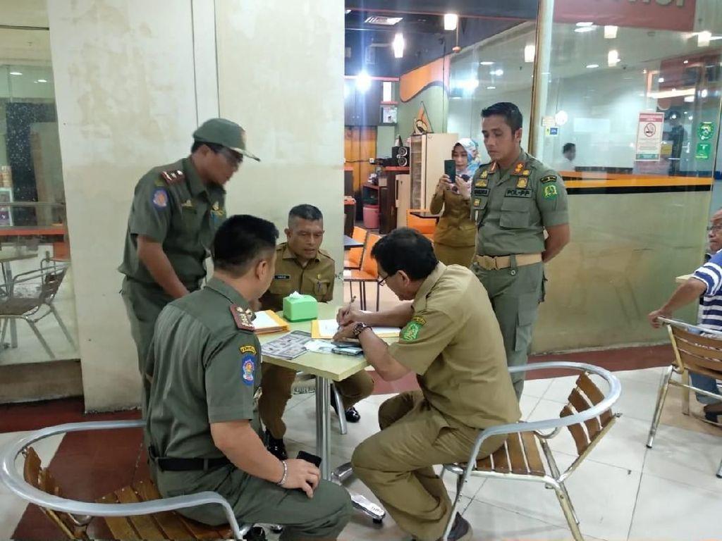 Satpol PP Medan Ciduk 7 ASN yang Keluyuran Saat Jam Kerja