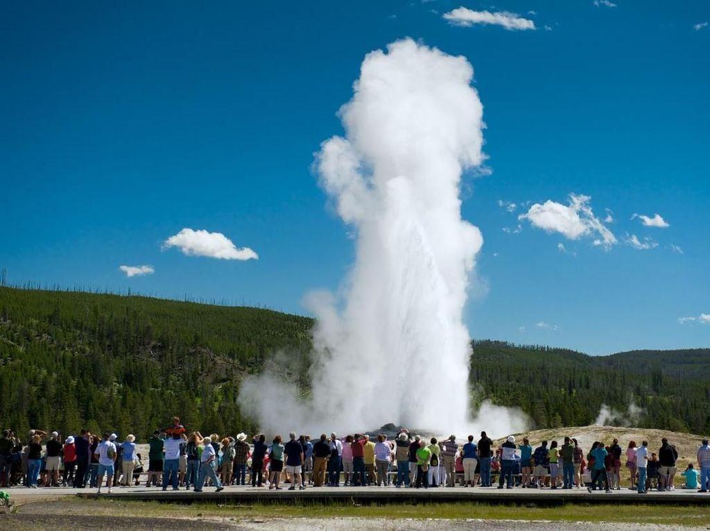 Geyser Terkenal di Yellowstone Mungkin Akan Diam Setelah 800 Tahun Batuk
