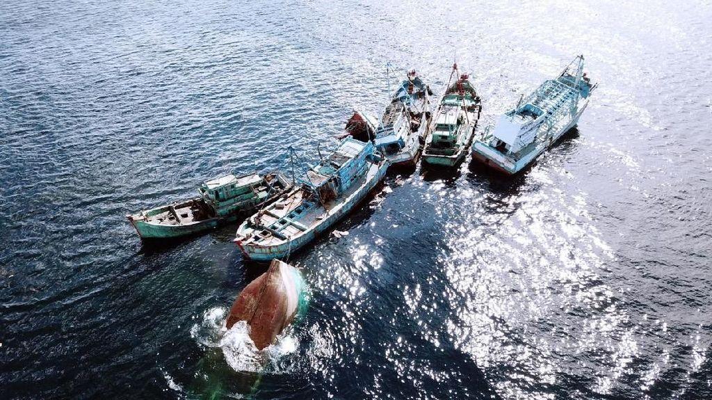 21 Kapal Maling Ikan Asal Vietnam & Malaysia Ditenggelamkan