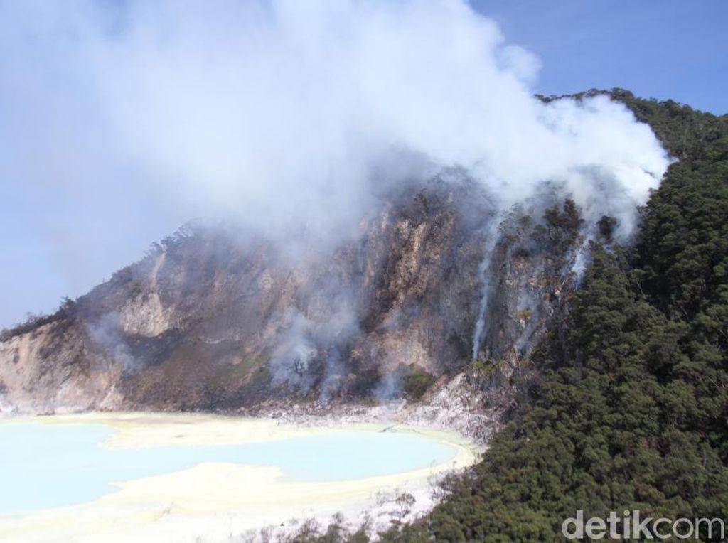 Kebakaran Hutan di Kawah Putih Padam, Area Wisata Belum Dibuka