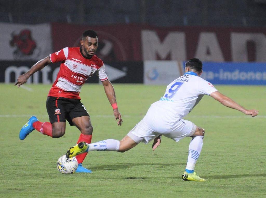 Madura United Vs Persib Diselidiki, Maung Bandung: Memang Rugikan Kami