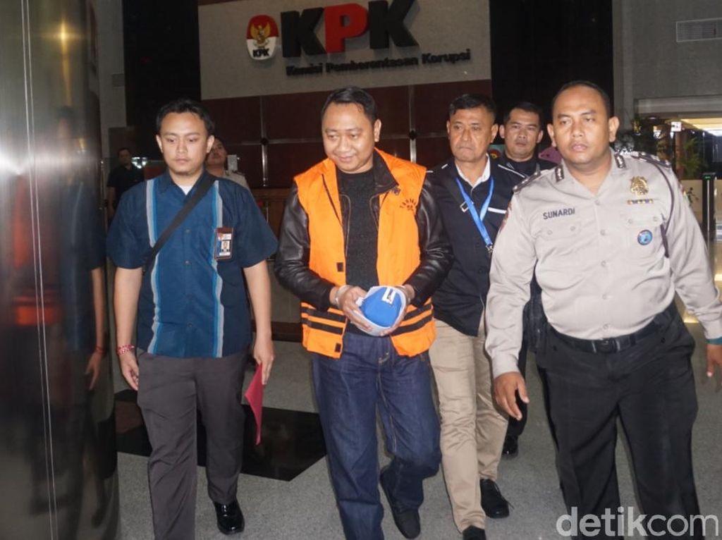 KPK Tahan Bupati Lampung Utara Tersangka Suap