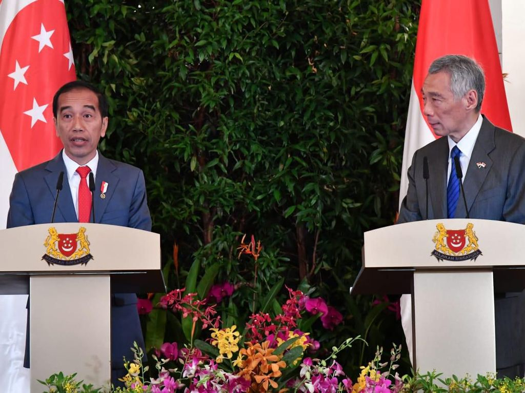 Jokowi Tawarkan Proyek KA Makassar-Parepare ke Singapura
