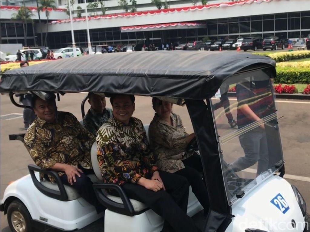 Nyetir Mobil Golf, Puan Sidak Gedung DPR Bareng 3 Pimpinan
