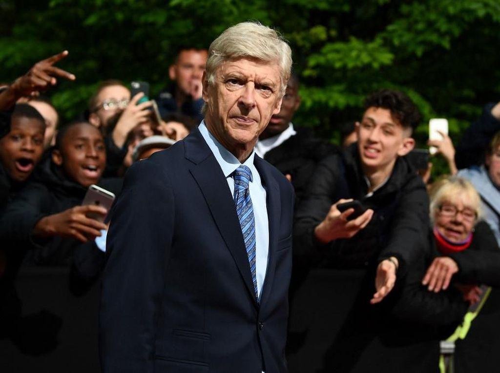 Wenger Tolak Tawaran Sejumlah Tim di Liga Inggris
