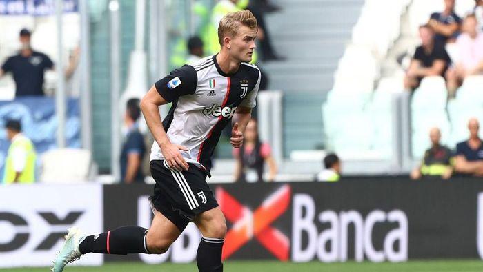 Matthijs de Ligt belum meyakinkan di Juventus. (Foto: Marco Luzzani/Getty Images)