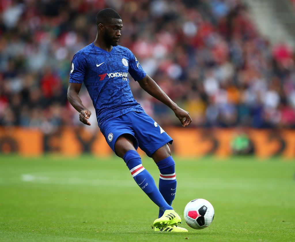 SOUTHAMPTON, ENGLAND - OCTOBER 06:  Fikayo Tomori of Chelsea passes the ball during the Premier League match between Southampton FC and Chelsea FC at St Mary's Stadium on October 06, 2019 in Southampton, United Kingdom. (Photo by Julian Finney/Getty Images)