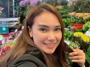 Senyum Feby Febiola Jelang Operasi Kista Ovarium