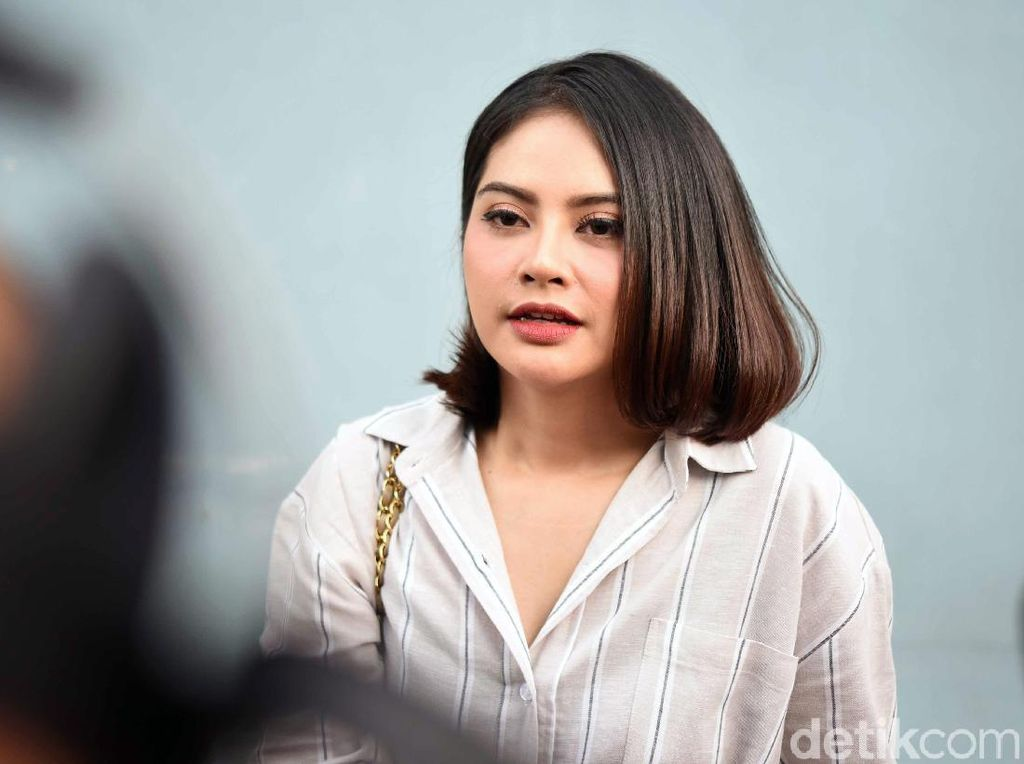 Meski Sulit Damai, Tiwi Eks T2 Izinkan Anak Bertemu Mantan Suami