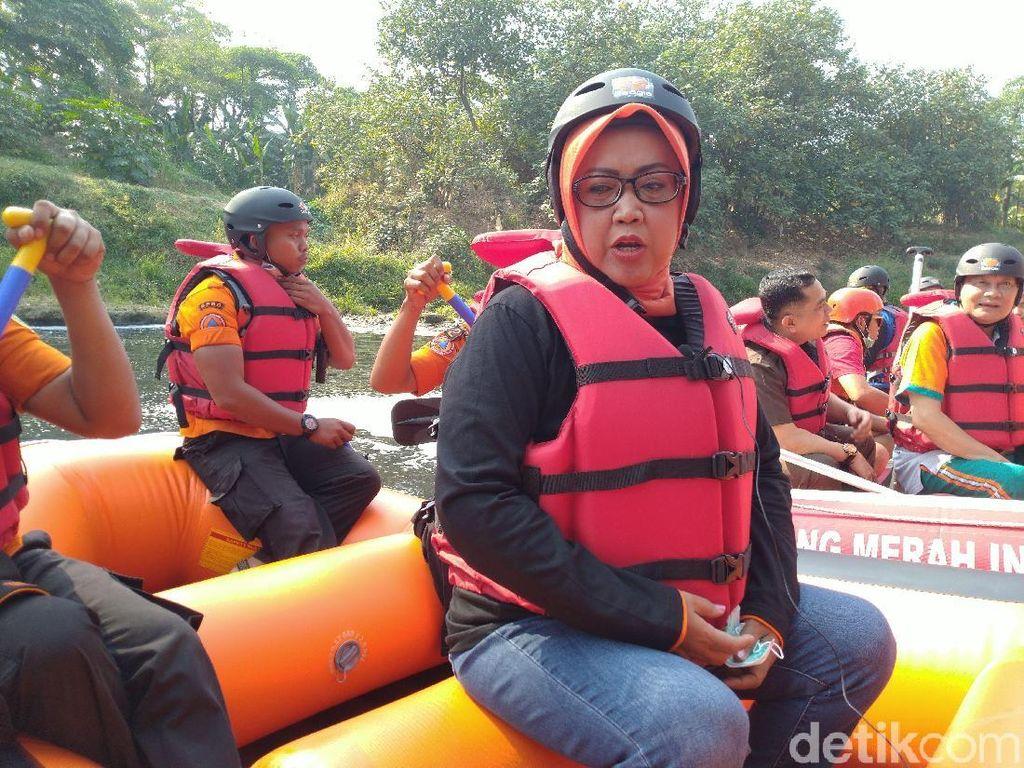 Bupati Bogor Ancam Tutup Perusahaan yang Cemari Sungai Cileungsi