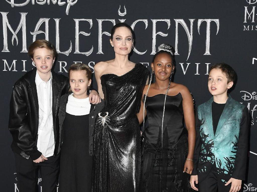 Cara Angelina Jolie Didik Anak, Bebaskan Mereka Pilih Agama