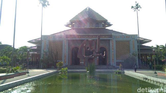 Takmir Masjid Belum Percaya Ada Pejabat Ikut Tolak UAS di UGM