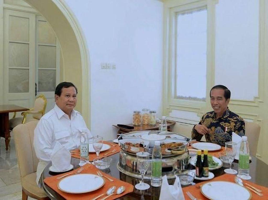 Jokowi dan Prabowo, Kompak Soal Selera Jajanan Ndeso
