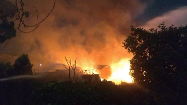 Berita Tiga Warga Korban Kebakaran di Cawang Dilarikan ke RS Kamis 24 Oktober 2019