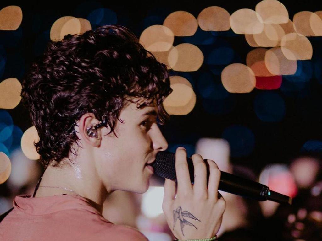 Rambut Ikal Shawn Mendes Bikin Fans Indonesia Histeris, Ini Rahasianya