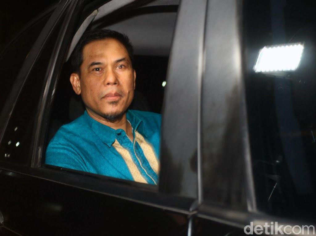 Diperiksa Polisi, Munarman Jelaskan Soal Minta CCTV ke DKM Masjid Al Falah