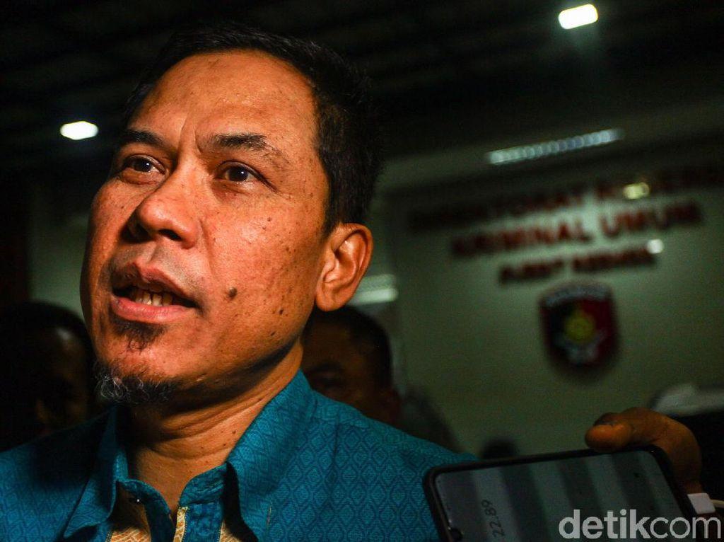 Sebut 6 Laskar FPI Tewas Tak Bawa Senpi, Munarman Dipolisikan
