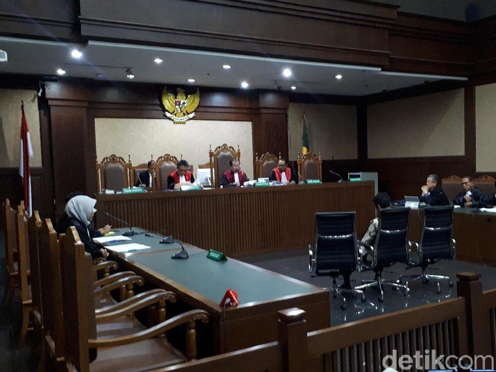 Hakim Tolak Eksepsi Romahurmuziy
