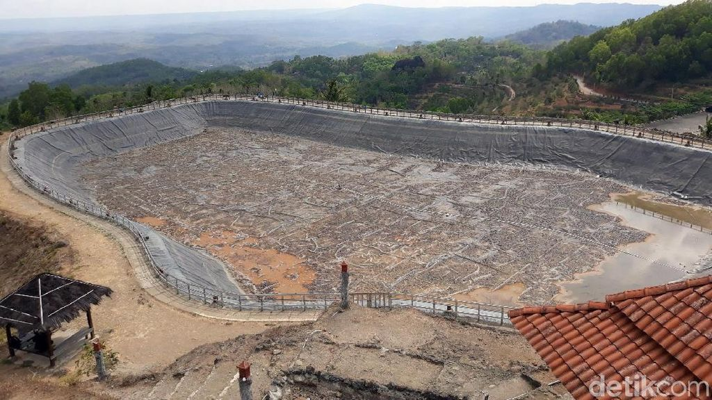 Embung Nglanggeran di Gunung Kidul Kekeringan Imbas Kemarau