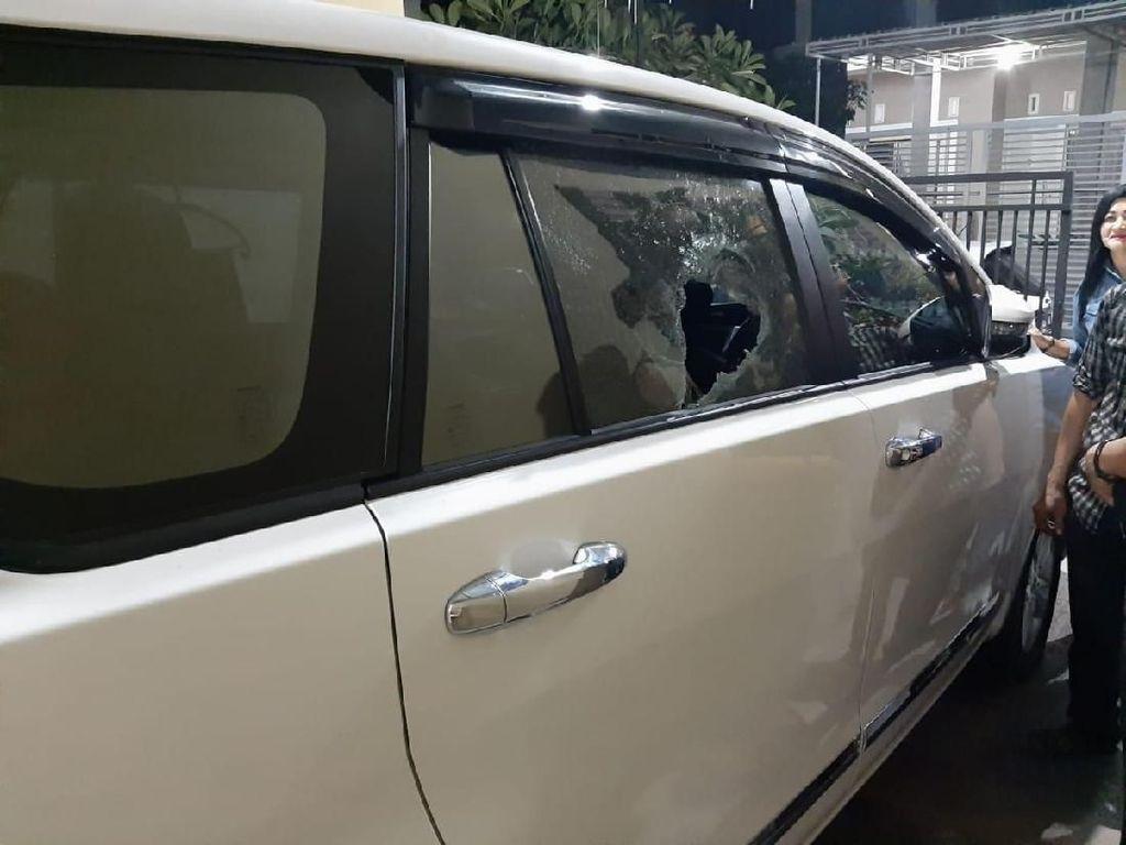 Mobil Anggota Polisi Jadi Korban Pecah Kaca Massa Persikmania