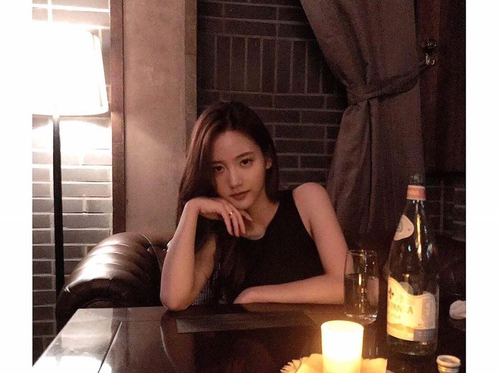 Diisukan Pacar Jung Da Eun, Ini Manisnya Han Seo Hee Saat Kulineran