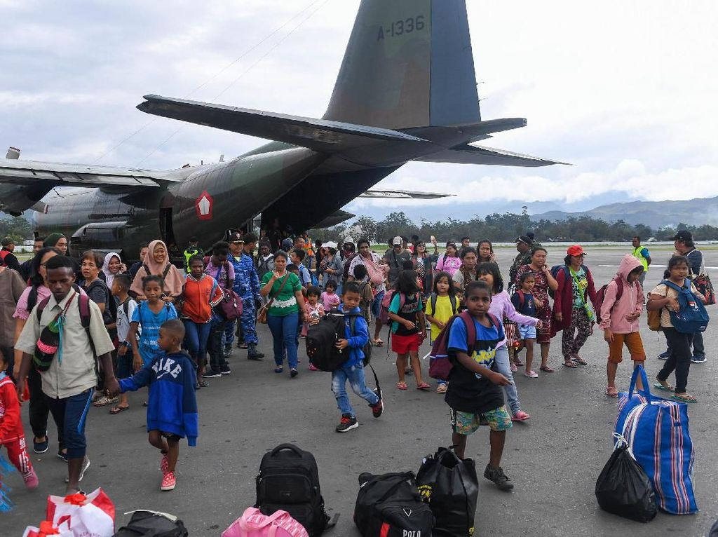 Potret Para Pengungsi dari Jayapura Kembali ke Wamena