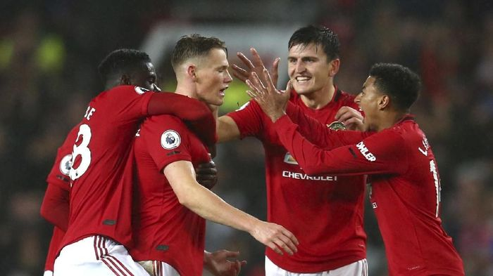 Meski sulit, Manchester United diyakini masih bisa mengalahkan Liverpool. Foto: AP Photo/Dave Thompson