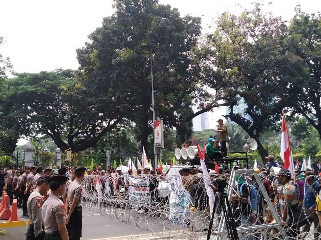 Massa Petani Gelar Aksi, Minta Jokowi Percepat Redistribusi Perhutanan Sosial