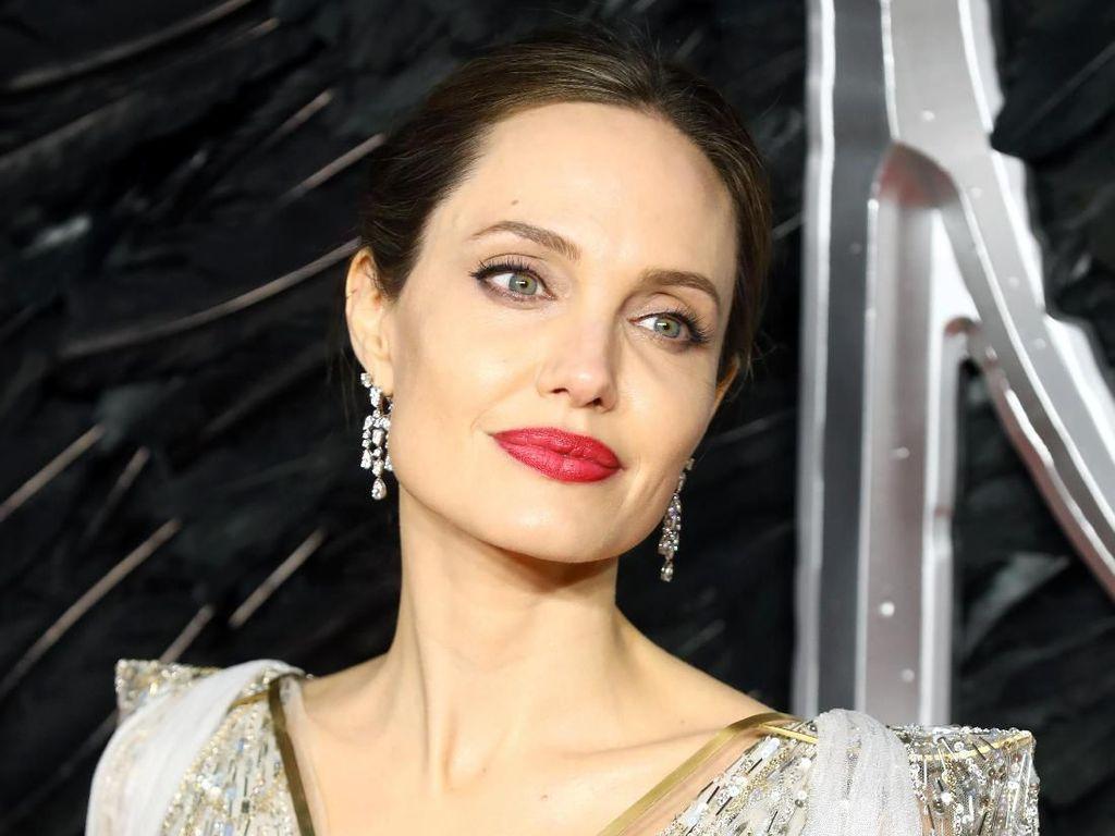 Angelina Jolie Ungkap Kehidupannya Bersama 6 Anak Selama Lockdown