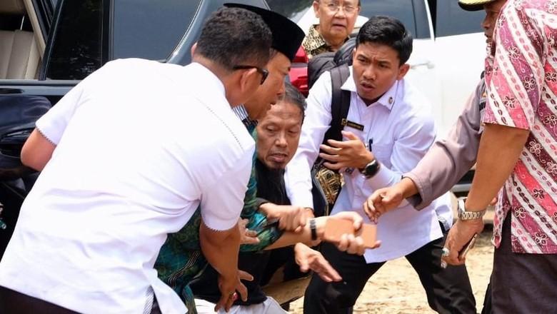 Polisi Dalami Kaitan Penusuk Wiranto dengan Jaringan JAD Cirebon-Sumut