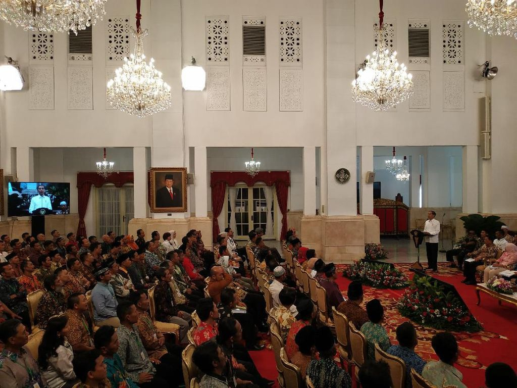 Jokowi Sentil Perhutani: Jangan Sampai Lebih Kolonial dari Kolonial