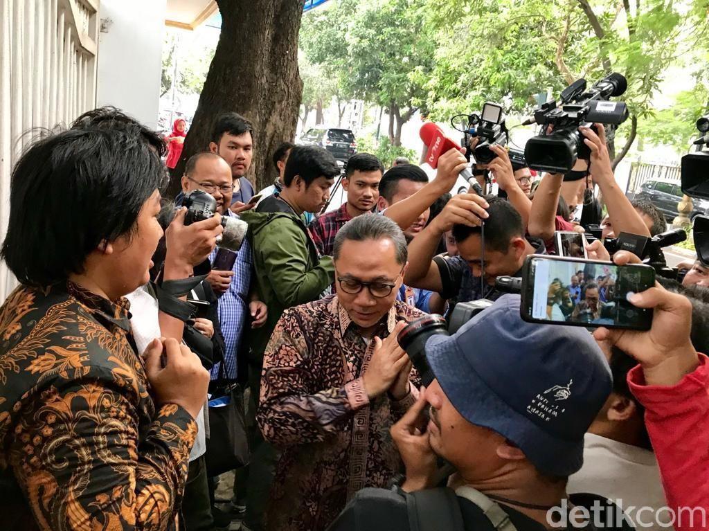 Pimpinan MPR Sambangi Rumah Megawati Undang ke Pelantikan Jokowi