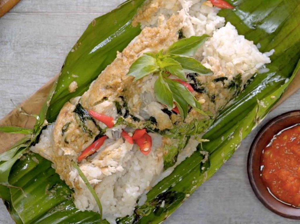 Menu Harian Ramadhan ke-27 : Harum Gurih Nasi Bakar Ayam untuk Makan Malam
