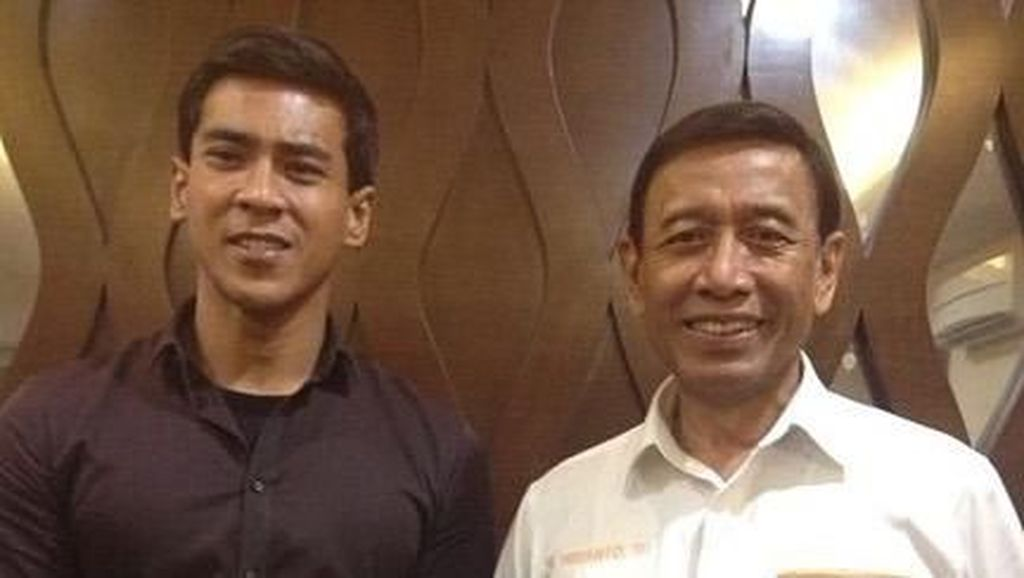 Pengalaman Aktor Dian Sidik Jadi Ajudan Wiranto
