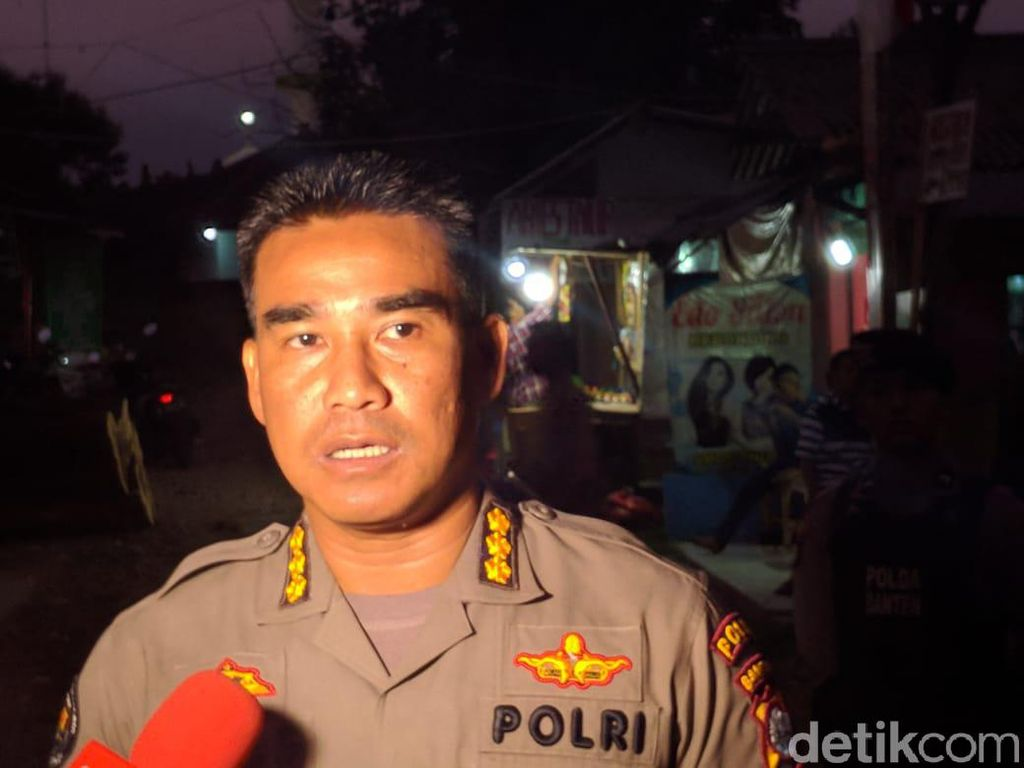 Kapolsek Menes Diserang oleh Fitria, Istri Penusuk Wiranto