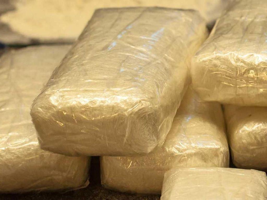 Dituduh Selundupkan Kokain, Penumpang Ini Gugat Maskapai