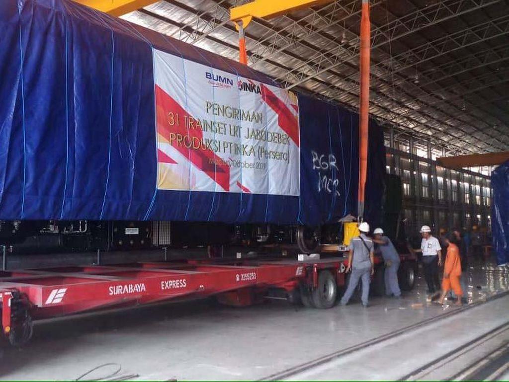 Lewat Tol Trans Jawa, LRT Jabodebek Diangkut ke Jakarta