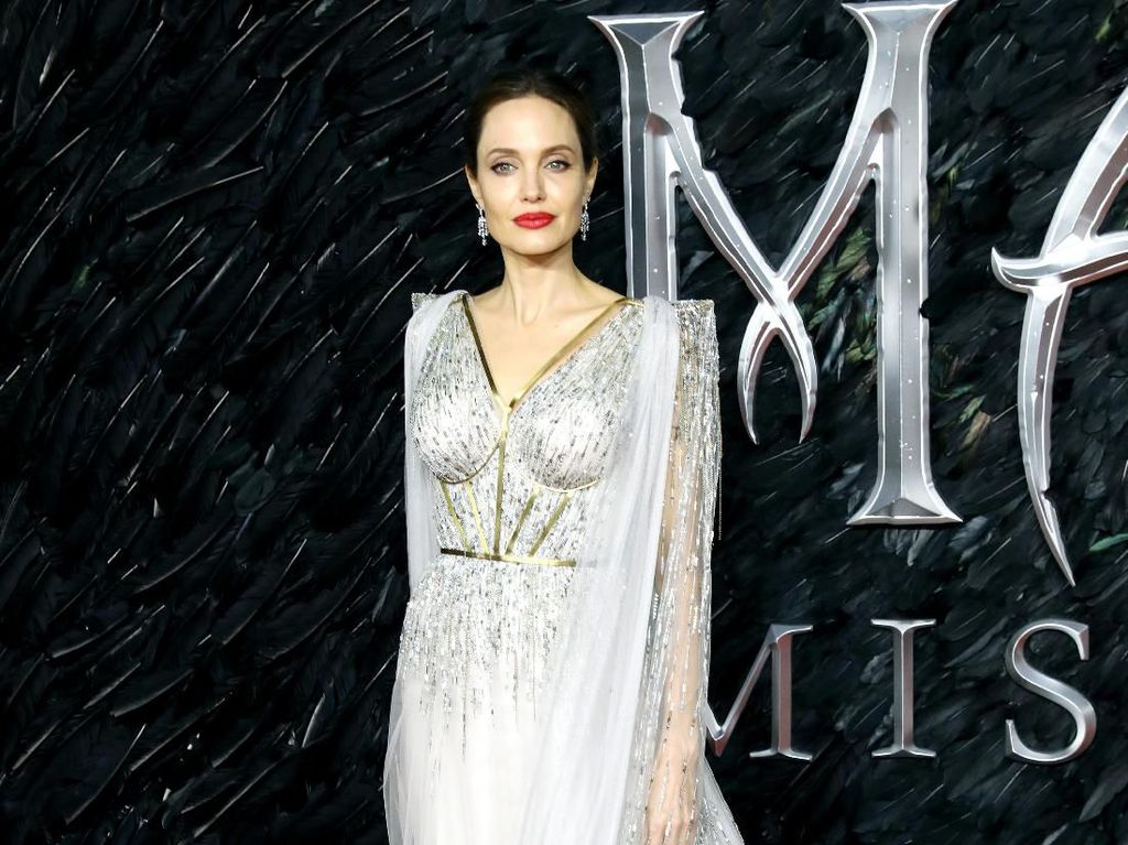 Ketegaran Irish Bella-Ammar hingga Pesona Angelina Jolie