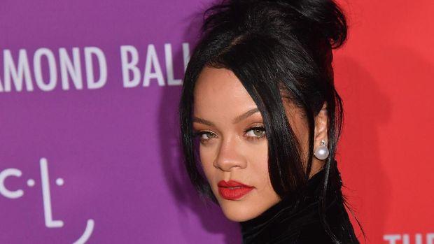 Rihanna Bicara Soal Nikah hingga Tolak Tampil di Super Bowl