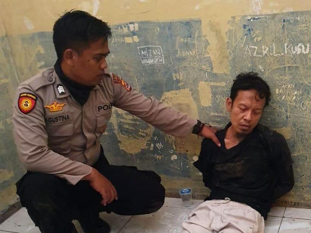 Video Sosok Pelaku Penusuk Wiranto yang Ditangkap Bersama Istri